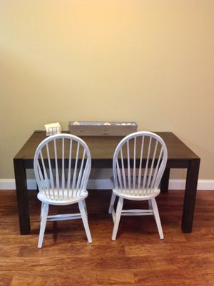 Stratford Hayden Brown Wire Brush Dining Table for Sale in BRUSHY FORK, WV