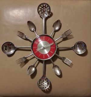 KITCHEN UTENSILS WALL CLOCK for Sale in Fresno, CA