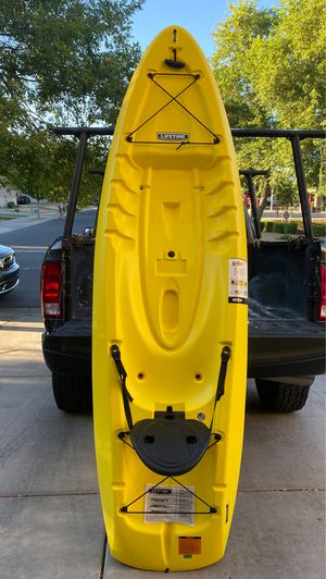 Kayak- Lifetime Volt-Paddle included for Sale in Gilbert, AZ