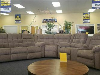 Workhorse Cocoa Reclining Sectional ⭐ Couch ⭐ Living Room Set for Sale in Round Rock,  TX