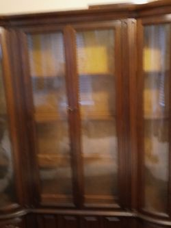 China Cabinet Can Deliver for Sale in St. Louis,  MO