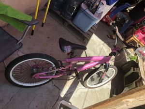 Pink girl bike for Sale in Hayward, CA