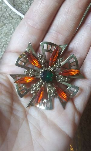 Vintage orange & green glass rhinestone pin brooch for Sale in Tullahoma, TN
