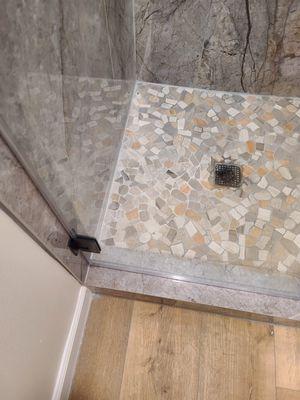 Frame less shower doors for Sale in Bellflower, CA