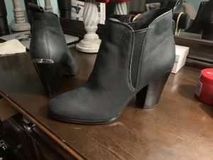 Micheal kors black high heels size 8 for Sale in Lorain, OH