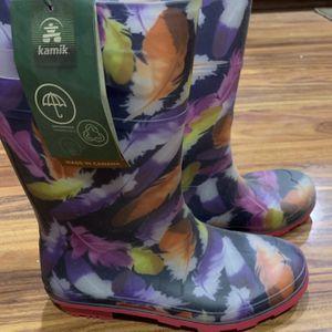 Rain boots Kamik Size 5 New for Sale in Escalon, CA
