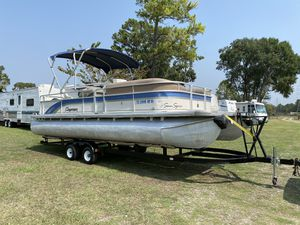 2011 premier pontoon 22 foot with a 2015 90 hp four stroke Mercury boats in very good shape runs excellent only freshwater use no issues water ready for Sale in Cypress, TX