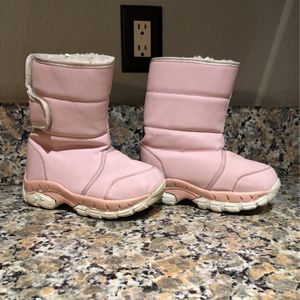 Girls pink Explorers Snow Boots Size 1 YOUTH KIDS for Sale in Riverside, CA