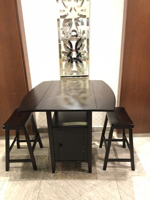 Kitchen table dining table breakfast table with stools for Sale in Englewood, NJ