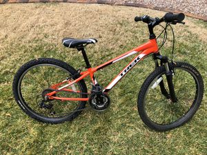 Youth orange and white Trek mountain bike for Sale in Henderson, NV