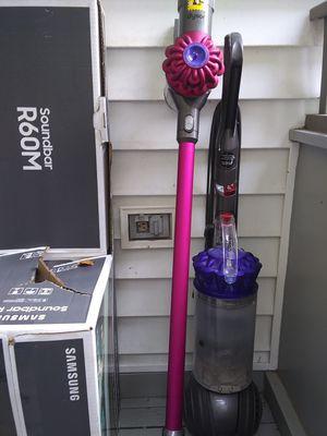 Dyson cordless v04 vacuum. for Sale in Washington, DC