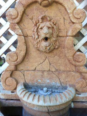 Lions head. Garden fountain for Sale in Chicago, IL