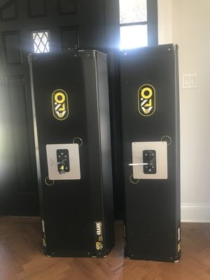 2 Kino Flo 4 bank lighting units for Sale in Los Angeles, CA