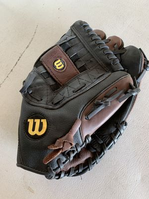 "Wilson. Softball Glove 13"" for Sale in Oak Hills, CA"