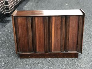 Mid Century Modern Lane Liquor Cabinet Media Console for Sale in Havertown, PA