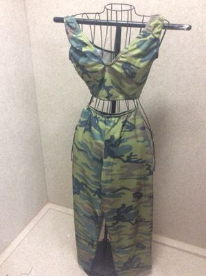 Women's adult Halloween costume. 2 piece. Sz med. military $20 for Sale in Columbus, OH
