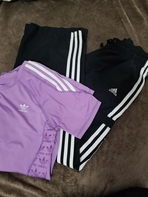 Women's Adidas outfit medium for Sale in Kent, WA