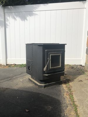 Englander Pellet Stove for Sale in Purcellville, VA