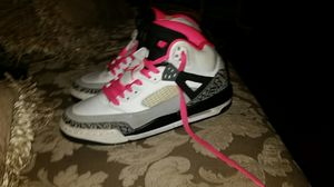Girl's JORDAN SPIZIKE BP for Sale in Hyattsville, MD