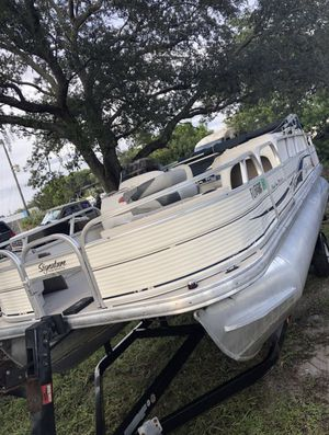 2009 SunTracker Pontoon Boat 60hp Mercury for Sale in Hollywood, FL