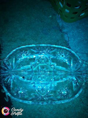 Beautiful glass table antique for Sale in Detroit, MI