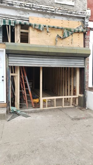 Store front gate for Sale in Wynnewood, PA
