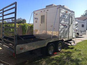 03 Tahoe Park rat by Thor toy hauler for Sale in Mesquite, TX