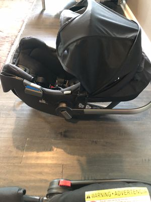 Nuna Pipa Infant Car seat with base for Sale in Canonsburg, PA