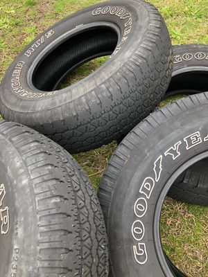 Goodyear wrangler 15 inch tires good condition for Sale in Clayton, NC