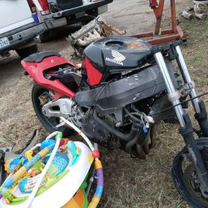03 Honda 954 Parts Bike No Title Bad Motor for Sale in Burleson, TX