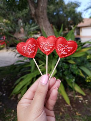 VALENTINE CUPCAKE TOPPERS for Sale for sale  Miami Lakes, FL