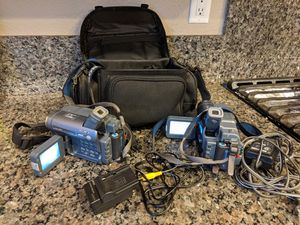 Pair of SONY HANDYCAM Recorder/Camera with Chargers and Storage Bag for Sale in Salinas, CA