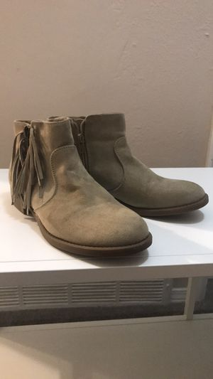 GUESS Suede & Fringe Booties 8M for Sale in Wheat Ridge, CO