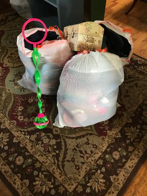 Free Girl Clothes for Sale in Puyallup, WA
