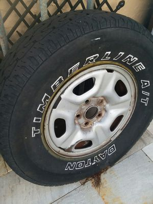 "Free 2 Toyota tacoma rims 15"" ,only rims are good tires need replaced for Sale in Port Richey, FL"