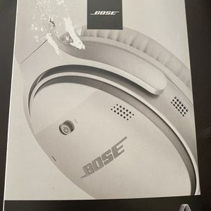 Bose-QuietComfort 35II Wireless Noise Cancelling Headphones- SILVER for Sale in Avondale, AZ