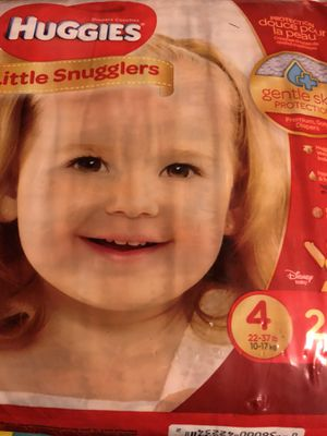 Huggies size 4 little Snugglers for Sale in Syracuse, UT