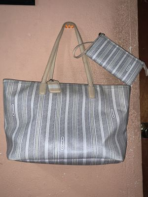 Coach Handbag Paired W/Matching Wrislet for Sale in Terrell, TX