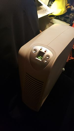 Holmes air Purifier hepa & carbon for Sale in Solon, OH