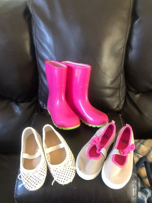 Girls size 9/10 shoes/boots for Sale in Apex, NC
