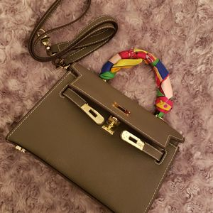 Italian Faux Leather Purse for Sale in Ontario, CA