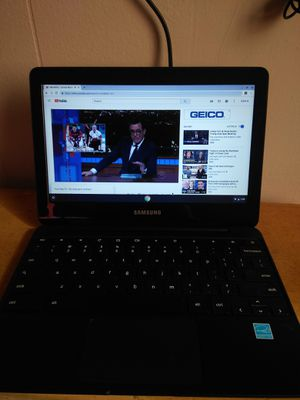 Samsung Chromebook 3 Whit charger for Sale in Los Angeles, CA