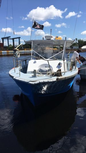 36ft 1986 Uniflite Bandit Fishing Boat for Sale in Spring Hill, FL