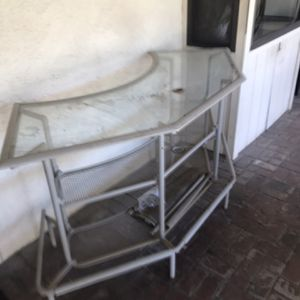 Outdoor Bar Has Wrap Around Material for Sale in Agua Caliente Off-Reservation Trust Land, CA