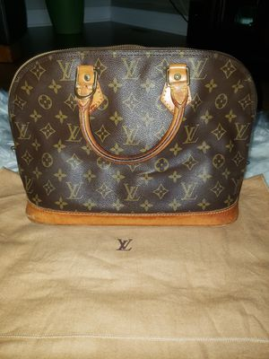 Authentic Louis Vuitton Alma hand bag for Sale in Bloomingdale, IL