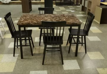 BRAND NEW  Roundhill Noyes Metal 5 Piece Dining Set  with Laminated Faux Marble Top for Sale in Marietta, GA