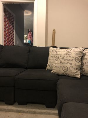 Couch (sectional) like new for Sale in Franklin, TN