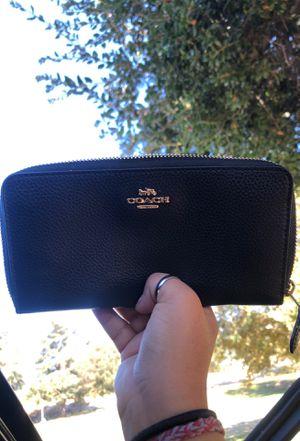 Coach Medium Zip Around Wallet for Sale in Los Angeles, CA