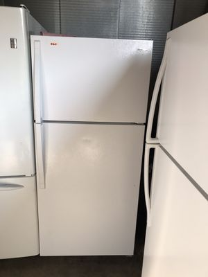 """WHIRLPOOL 14.3 CUBIC FT TOP MOUNT WHITE FRIDGE 28"""" for Sale in Los Angeles, CA"""