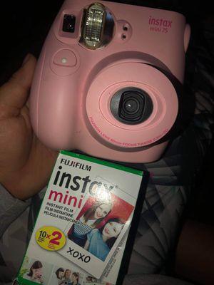 New insta camera for Sale in Fresno, CA